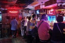 YOKOSUKAの夜を楽しむ どぶ板通り★ハシゴ酒ツアー
